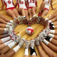 Our volleyball picture <3 LOVE SOOOO ADORABLE.  Totally gonna do this