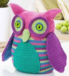 You who loves crochet crafts, can not fail to take the opportunity to have a beautiful crochet owl .  Colors can be varied, with yello...