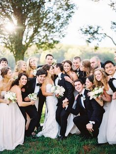 Fun wedding party moment: http://www.stylemepretty.com/2016/06/14/a-rustic-celebration-that-offers-a-new-take-on-neutrals/ | Photography: Sally Pinera - http://sallypinera.com/
