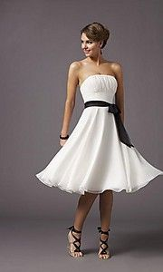 Love love love dresses that are fitted at the top and flare out at the bottom.