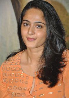 South Indian Chubby Actress Anushka Shetty Hot Stills In Orange Dress Diy Beauty Makeup, Beauty Dupes, Beauty Hacks, Hair Beauty, Anushka Latest Photos, Anushka Photos, Actress Anushka, Celebrity Beauty, Beautiful Indian Actress