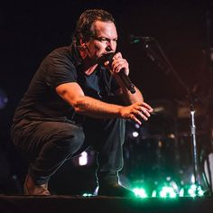 Pearl Jam Colombia - Estadio Nemesio Camacho 'El Campín' - Bogotá, CUN on 11/25/2015 - 569 photos, pictures and videos on CrowdAlbum