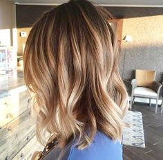 Bronde Sombrè Light brown hair with blonde highlights