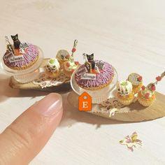 """""""Black cat Halloween """" etsyからもご購入いただけます♩ #ミニチュアフード#ミニチュア#ドールハウス#ハンドメイド#食品サンプル#カップケーキ#樹脂粘土#miniaturefood #miniature#dollhouse #handmade #cupcakes #polymerclay #etsy #clay"""