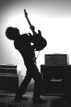 See Gustavo Cerati pictures, photo shoots, and listen online to the latest music. Music Love, Rock Music, My Music, Soda Stereo, Rock Argentino, Photo Room, Concert Photography, White Aesthetic, Green Day