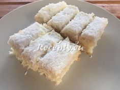 ▷ Kokosové řezy s piškotovým krémem - Recepty.eu Dairy, Cheese, Food, Essen, Meals, Yemek, Eten