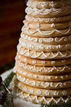 Winter Wedding Inspiration at the JX Event Venue | Studio J Photography | Simply Elegant | Mai Little Cakes | Kransekake