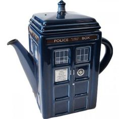 Amazon.com: DOCTOR WHO TARDIS TEAPOT 750ML - (5+): Kitchen & Dining  I want this!  I already have the mug, shouldn't I have a full set?  :-)