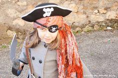 Disfraz de pirata: 8 ideas para un disfraz casero | Pequeocio.com Halloween Disfraces, Captain Hat, Hats, Fashion, Halloween Costumes For Kids, Halloween Diy, Pirates, Concert, Moda