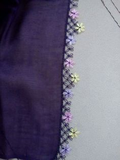 This Pin was discovered by Lal Embroidery Flowers Pattern, Flower Patterns, Embroidery Stitches, Hand Embroidery, Crochet Trim, Crochet Motif, Crochet Lace, Crochet Edgings, Embroidery Suits Design