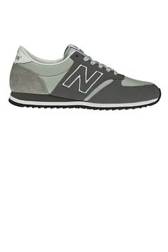 New Balance 420 Sneakers.