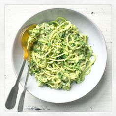 Courgette noodles with homemade pesto, such a perfect easy lunch! Clean Recipes, Lunch Recipes, Vegetarian Recipes, Healthy Recipes, Healthy Meals, Healthy Eating, Low Carb Pasta, Kenwood Cooking, Deliciously Ella