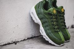 Nike X Stussy Air max 95 - Olive green New Sneakers, Air Max Sneakers, Sneakers Nike, Fly Shoes, Nike Shoes, Air Max 95, Stussy, Nike Air Vapormax, Sports Shoes
