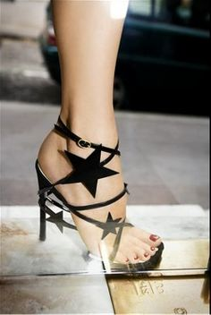 If I were to go to a New Years Party these shoes would be awesome.