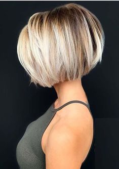 Searching for latest bob haircuts to show off on various special occasions nowadays? If yes then must check out the best ever short bob hair styles with blonde hair colors for more cute and sexy look in Haircut Styles For Girls, Haircuts For Fine Hair, Short Bob Haircuts, Layered Haircuts, Short Textured Hair, Pretty Hairstyles, Braided Hairstyles, Wedding Hairstyles, Medium Hairstyles