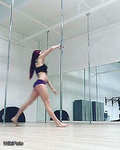 @lindsaylithe One of my fav flips! #WikiPole #poledance