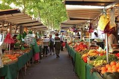 Buy your food at the Organic market Boulevard Raspail!