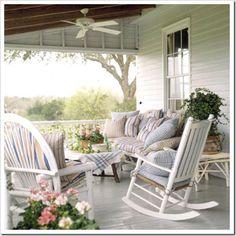 mobilier blanc pour le porche