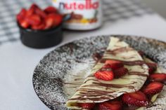 Strawberry Hazelnut Crepes to sweeten your Sunday brunch... no crepe-maker required!
