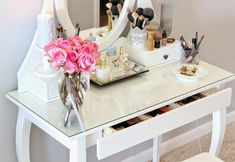 A Spoonful of Style: My Vanity and Makeup Favorites...