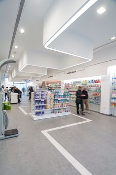 www.concep.es Diseño de Farmacias. Pharmacy design . Drug store design. Hospital Pharmacy, Pharmacy Store, Drug Store, Retail Interior Design, Interior Design Pictures, Modern Interior, Pharmacy Images, Supermarket Design, Hospital Design