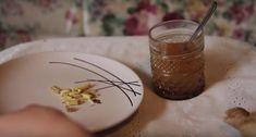 Ik Drink Al Een Maand Lang 2 Keer Per Dag Dit Drankje En De Kilo's Vliegen Eraf! Detox Drinks, Fun Drinks, Diet Recipes, Healthy Recipes, Detox Your Body, Weight Loss Detox, Lose 20 Pounds, Fodmap, I Foods