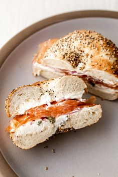 classic smoked salmon bagel combo from cooking with cocktail rings Bagel Breakfast Sandwich, Breakfast Recipes, Smoked Salmon Sandwich, Smoked Salmon Breakfast, Smoked Salmon Cream Cheese, Homemade Sandwich, Homemade Breads, Bagel Recipe, Salmon Recipes