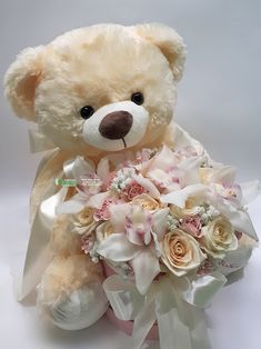 ~ Plišani meda, ruže i orhideje u kutiji Birthday Wishes Flowers, Happy Birthday Flower, Birthday Blast, Happy Birthday Text, Beautiful Rose Flowers, Happy Flowers, Flower Box Gift, Flower Boxes, Happy Teddy Day Images
