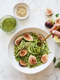 Pesto Zucchini Noodles With Figs & Hemp Seed Crumble (Raw + Vegan) / The…