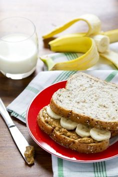 This Chunky Peanut Butter and Banana Sandwich is super tasty!