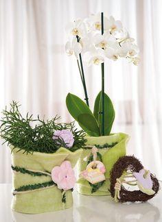 Čo tak ozdobiť starý kvetináč s kúskami filcu?