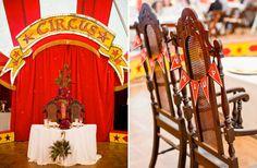 Een circusbruiloft waarbij jullie vol in de spotlights staan of zit je liever in het publiek? - Vier bijzondere bruiloft thema's - Girls of honour // Foto via Cameron Ingalls