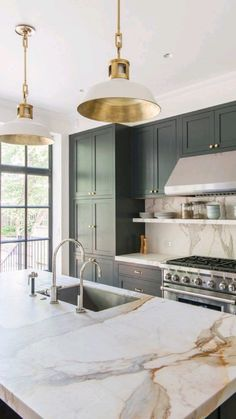 Modern Kitchen Design, Interior Design Kitchen, Green Cabinets, Kitchen Cabinets, Kitchen Island, Granite Kitchen, Kitchen Backsplash, Modern Farmhouse Kitchens, Cool Kitchens