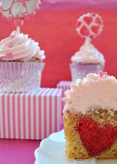 """Cupcakes a diario: Cupcakes """"corazonados"""" para San Valentín o Cupcakes de pera con swiss buttercream de pera y chocolate blanco"""