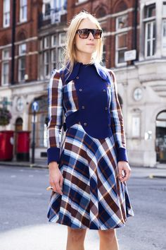 topshop:  This Mad Men esque day dress has stolen our hearts!