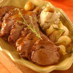 Arrosto con castagne Italian Meat Dishes, Italian Meats, Italian Foods, Best Italian Recipes, Favorite Recipes, Slow Food, Pork Dishes, Finger Foods, Food And Drink