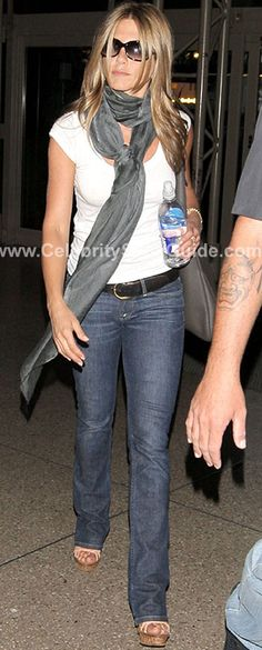 Jennifer Aniston Style and Fashion - Theory Juin Stay Tee in white - Celebrity Style Guide