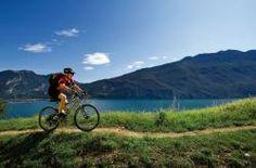 Scoprire il Lago di Garda in sella alla due ruote ha tutto un altro gusto! Tanti consigli e proposte di Villa Gloria SeeLe Hotel di Torbole sul Garda per la tua estate bike su www.bikeintrentino.it  #trentinobike #bikeintrentino #dueruote #bike #trentino #trentinooudoor #outdoortrentino #vacanzebiketrentino #bici #bikelovers #cycling #sport #lovebike #lagodigarda #gardalake #gardasee #garda #torbole #montebaldo