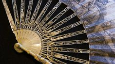 Leque plissado com varetas em marfim trabalhado'WEAPONS OF SEDUCTION - 18th to 20th Century European Fans' The Fan Collection of the Medeiros e Almeida House-Museum © Hugo Amaral/Observador