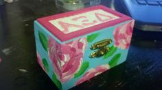 made this yesterday...Lilly print pin box :)