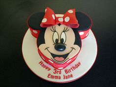 Red polkadot Minnie Mouse Cake