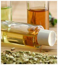 Yrttiöljyn valmistaminen Hot Sauce Bottles, Herbalism, Wine, Baking, Drinks, Food, Herbal Medicine, Drinking, Beverages