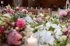 Dettagli allestimento floreale chiesa