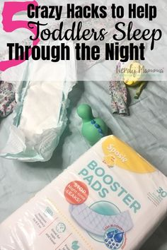 I love these sensible 5 Crazy Hacks to Help Toddlers Sleep Through the Night. SO VERY simple…I can't wait to start trying them! Thanks to my kiddos are staying dry! Parenting Toddlers, Parenting Hacks, Toddler Sleep Training, Sleeping Through The Night, Bedtime Routine, Mom Advice, Toddler Preschool, Life Tips, Life Hacks