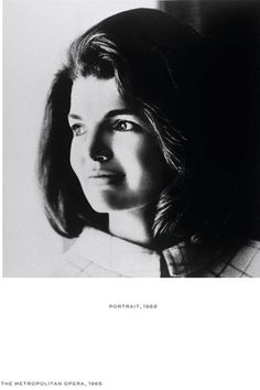 Headshot portrait of former US First Lady Jacqueline Kennedy Onassis - (Photo by Bert Morgan/Getty Images). For information about licensing this image, visit: Getty Images Jacqueline Kennedy Onassis, Jackie Kennedy Style, Jaqueline Kennedy, Les Kennedy, John Kennedy, Jaclyn Kennedy, Lee Radziwill, Familia Kennedy, John Junior