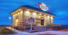 A Noteworthy Stop: Begin your group's journey through the Mississippi Delta at the Gateway to the Blues Museum.