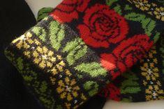 Annika kafe´ resor och Riga Knitting Machine Patterns, Fair Isle Knitting Patterns, Crotchet Patterns, Knitted Mittens Pattern, Knit Mittens, Knitted Gloves, Fingerless Gloves, Lace Knitting, Knitting Socks
