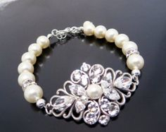 Bridal Pearl bracelet Wedding jewelry Wedding by treasures570