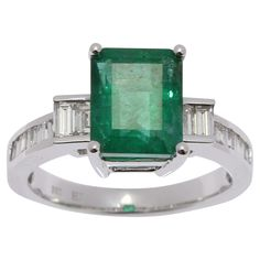 Stunning ladies 18ct White Gold 3.77ct Emerald Diamond Ring #graysonline #auction #emerald #ring