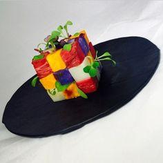 Smacznego :) L'art de dresser et présenter une assiette comme un chef de la gastronomie... https://www.facebook.com/VisionsGourmandes http://visionsgourmandes.com #gastronomie #gastronomy #chef #presentation #presenter #decorer #plating #recette #food #dressage #assiette #artculinaire